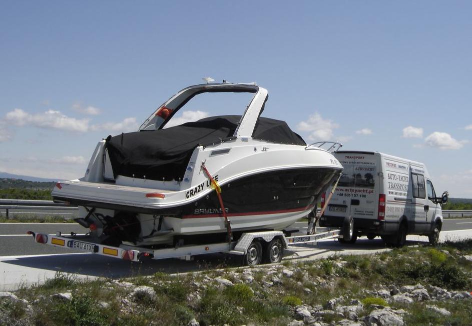 transpory jachtów i łodzi motorowych